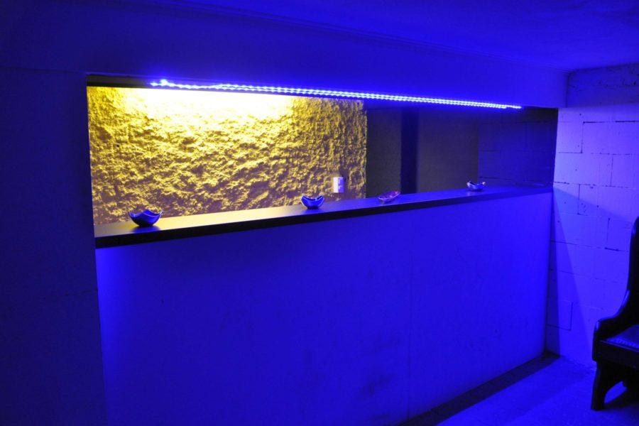 Rheinbundhaus Bar LED blau