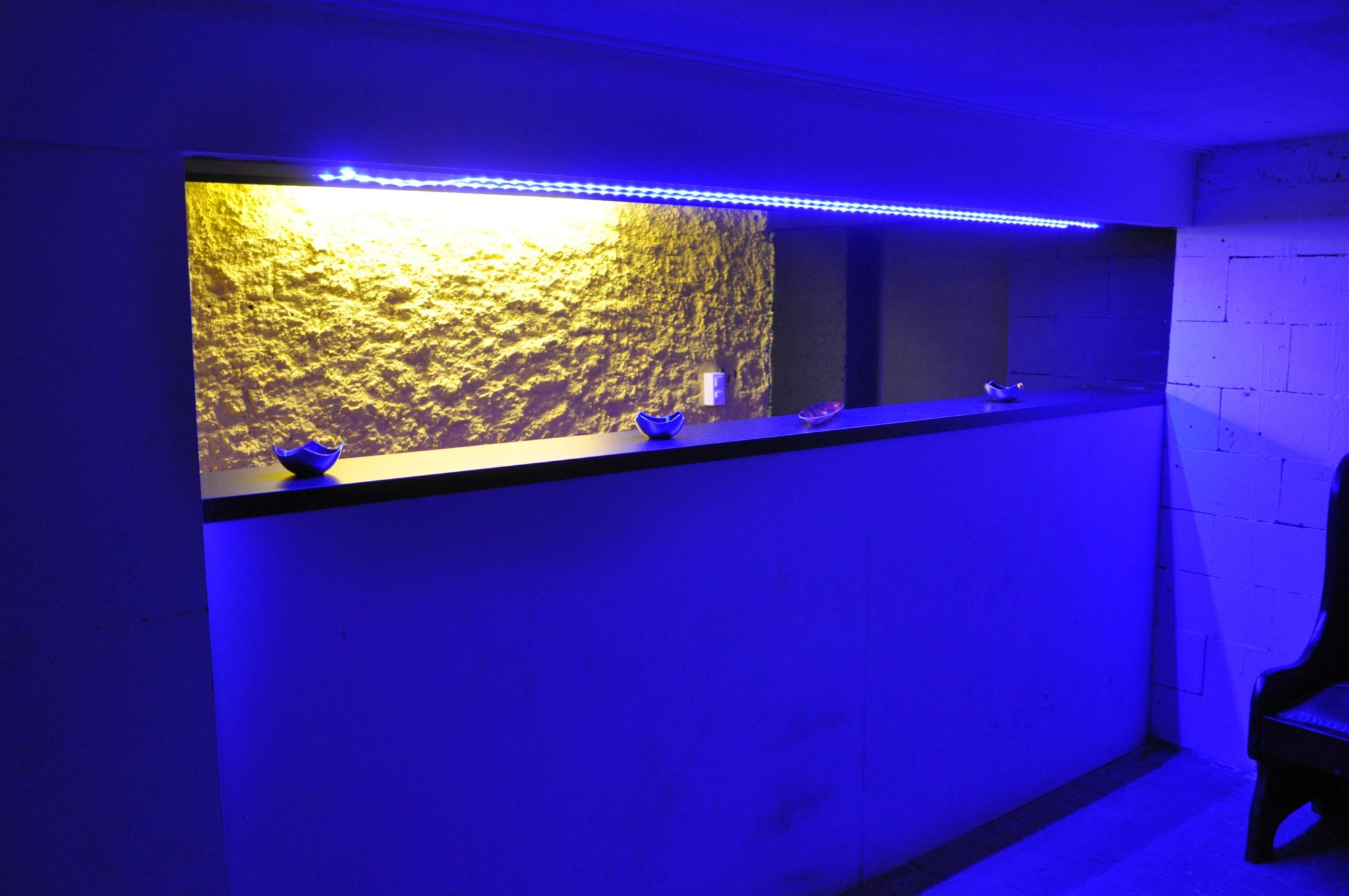 Rheinbundhaus Bar LED blau